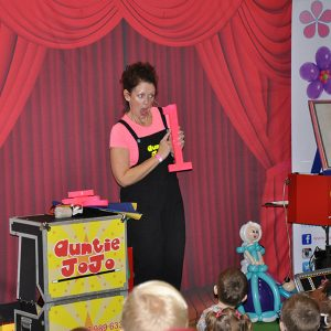 auntie jojo magic show