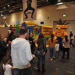 giant balloon minion